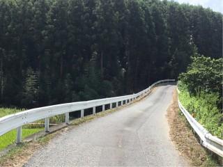 市道持用松千倉線の竹林の伐採作業を行いました
